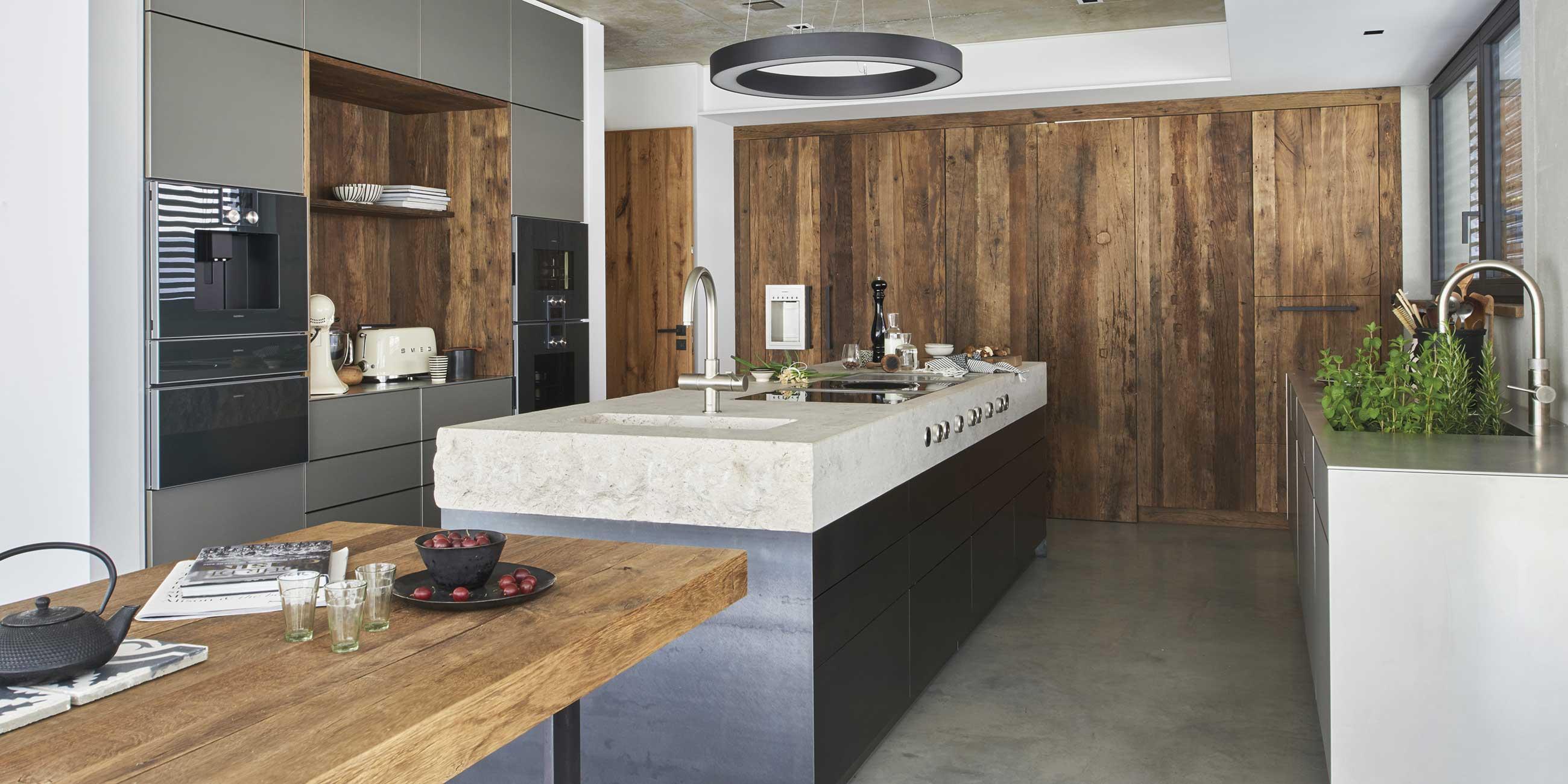 Charmante Küche mit Altholz · werkhaus Küchen · Designküchen aus ...