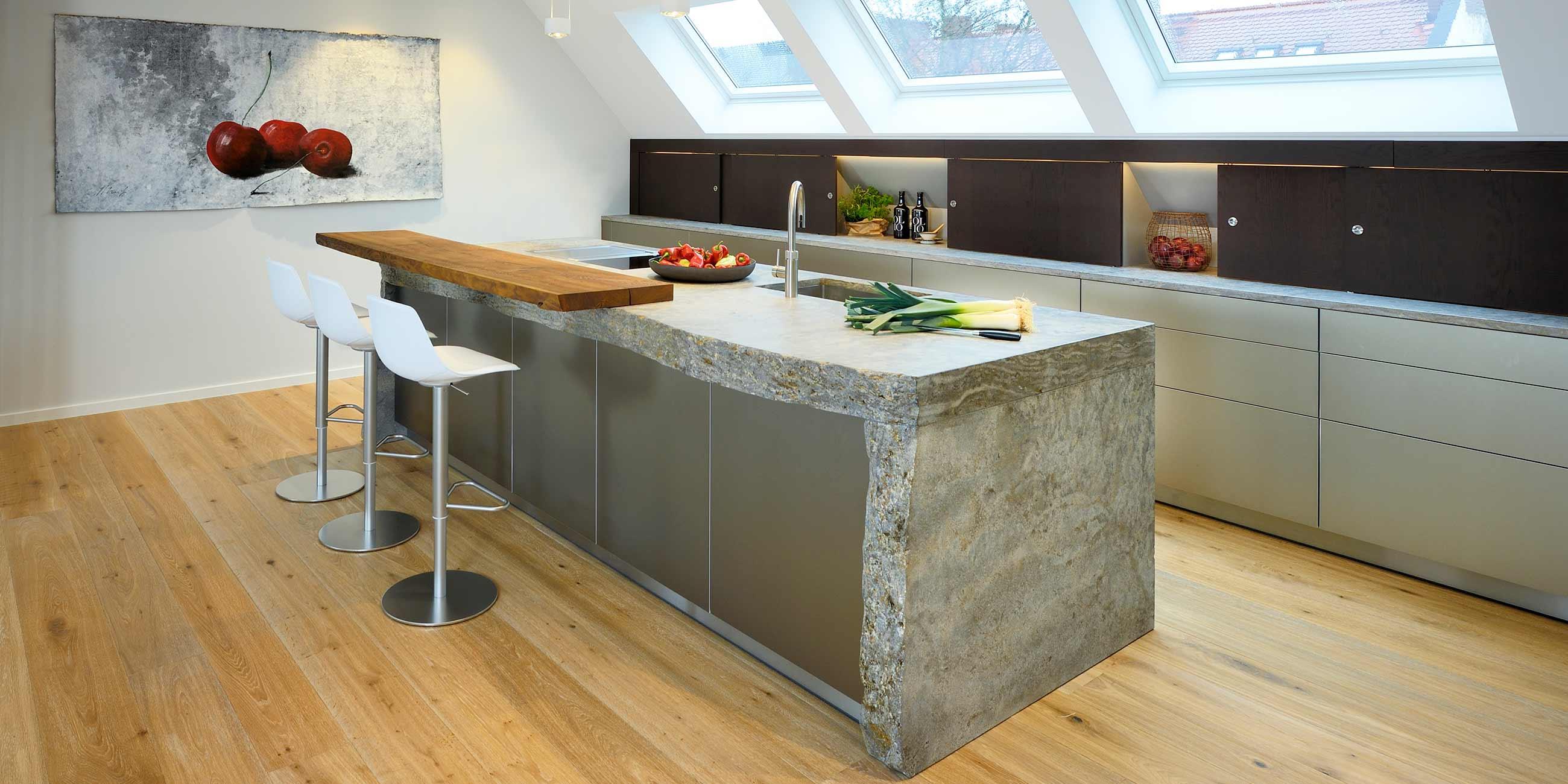 Küche unterm Dach · werkhaus Küchen · Designküchen aus Rosenheim